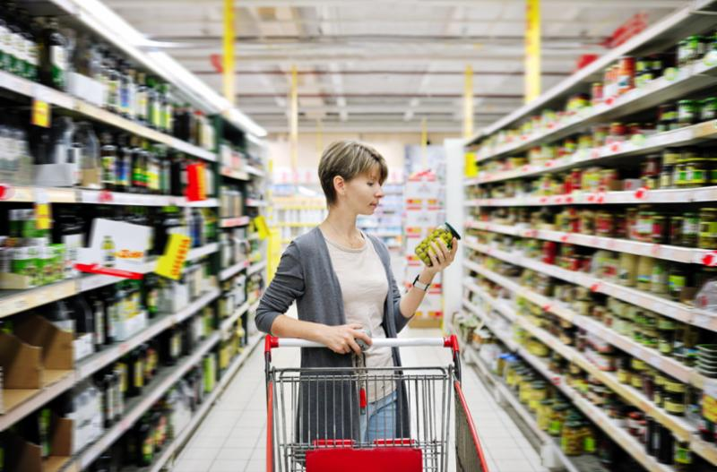 woman_grocery_shopping.jpg