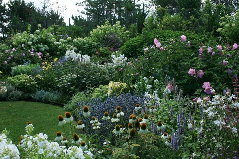 Exceptionnel ... Gardens Specializes In Creating A Balance Wixted