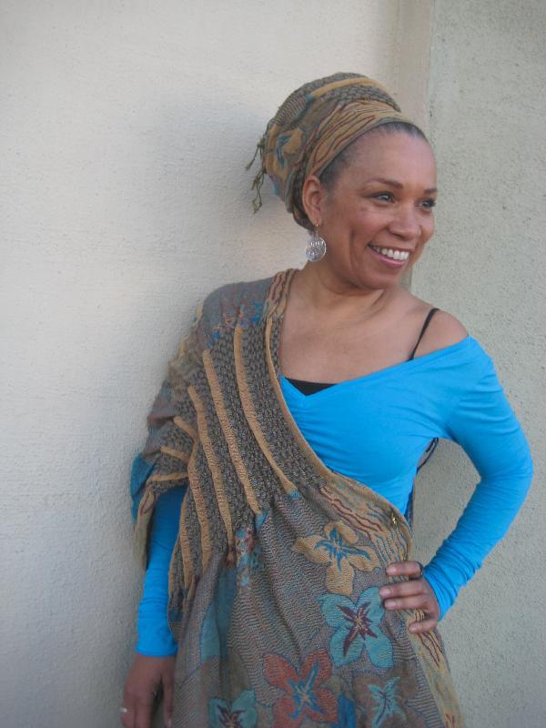 shawls on Amira
