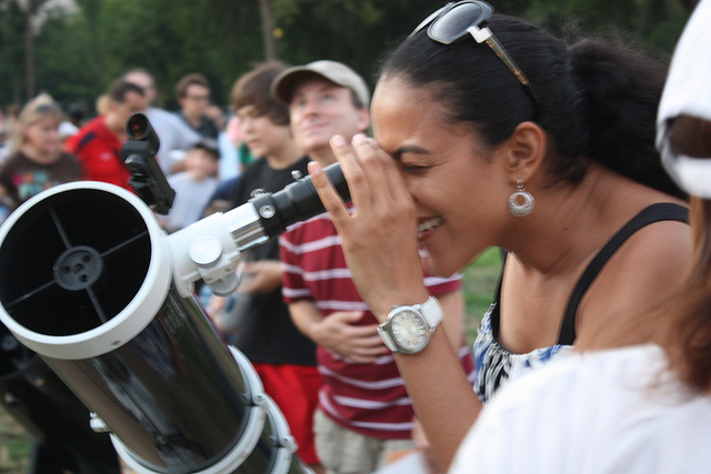 Image from: http://cs.astronomy.com/asy/b/astronomy/archive/2013/05/13/astronomy-festival-on-the-national-mall.aspx