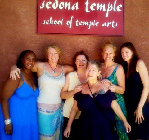 6 temple moms