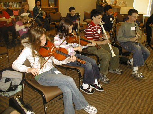 Youth fiddlers 2007