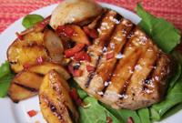 Grilled Pork Chops & Peaches_200