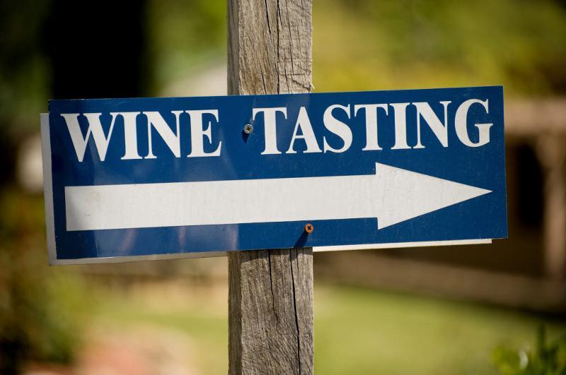 wine Tasting Arrow