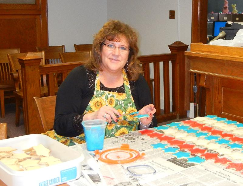 LaRita Weber Decorating Cookies