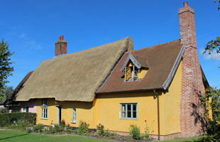 Thatched cottage home swap offer in Combs