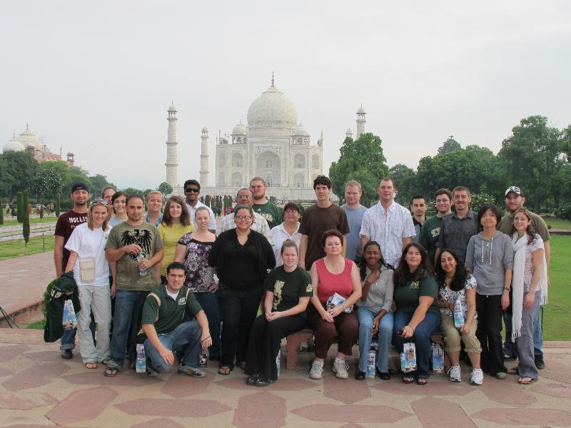 Students at Taj Mahal