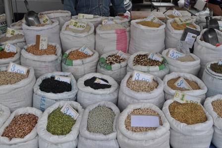 Legumes at Puglia market