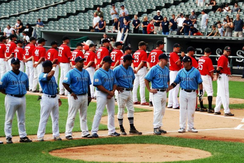 Battle of Chicago Baseball Game Image 1