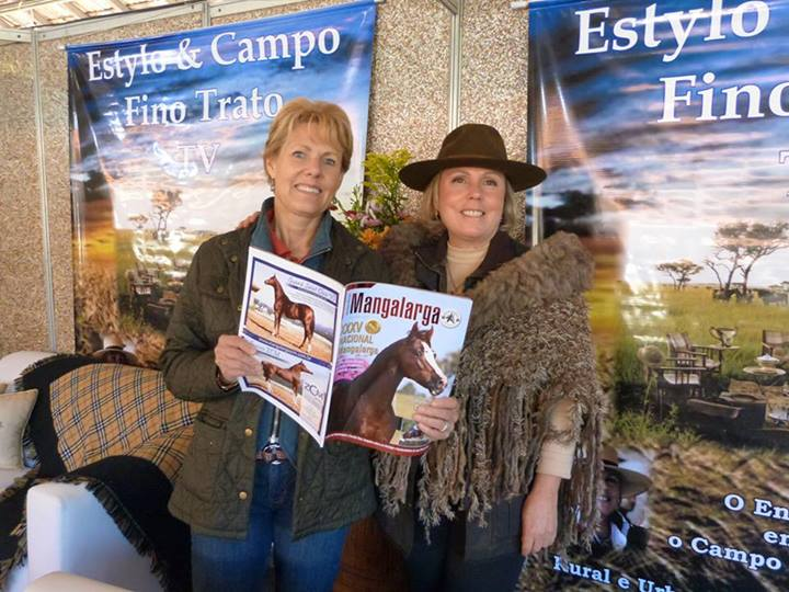 Mary and Ruth at Mangalarga Style expo booth at Expo Cavalos 2013.