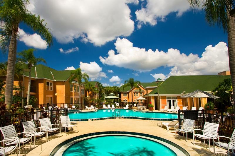 Villa Pool 3