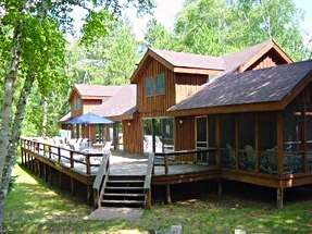 Secluded lodge on Webb Lake