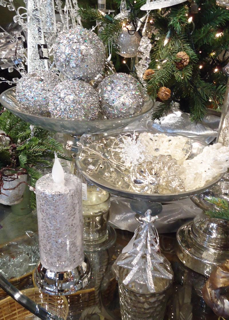 Create holiday memories with family friends at the