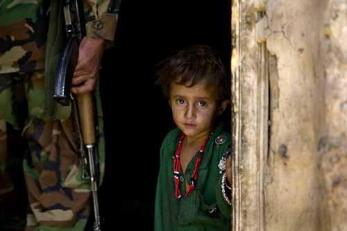 Afghani Child and soldier