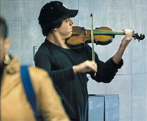 Violinist in a Metro