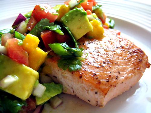 Recipe - April 2013 - Salmon-mango-avoc