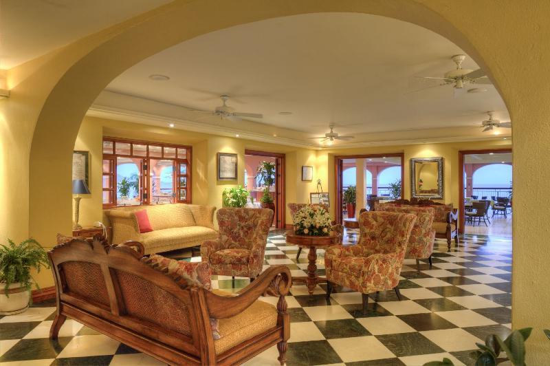 Buccaneer 2012 lobby