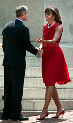 O'Malley greets First Lady