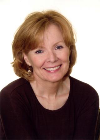 Peggy Noonan Headshot