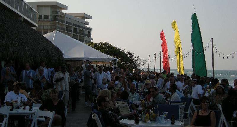 Crowne Plaza - Deck Crowd 14