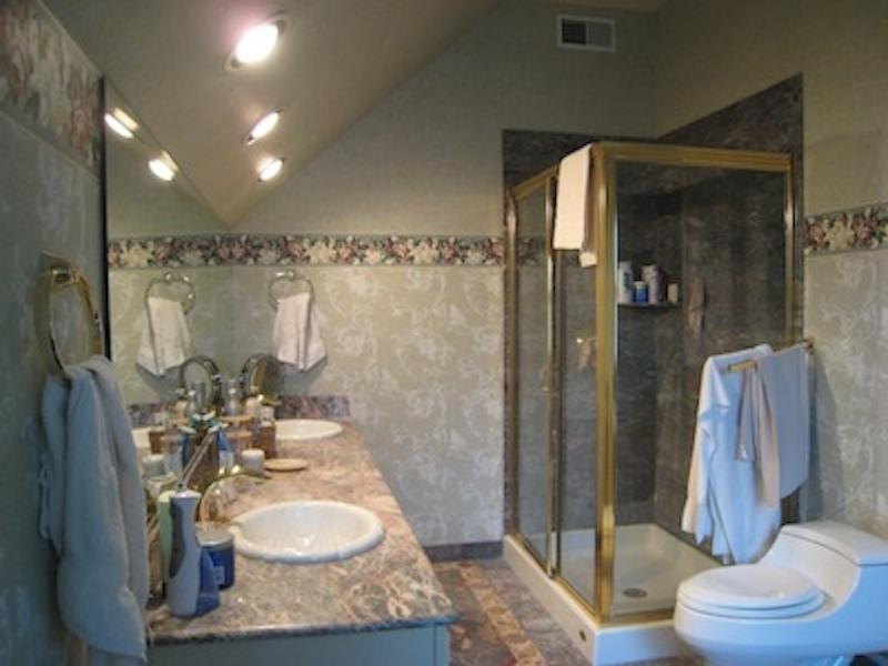 Master bath before renovation