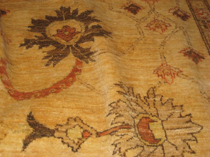 Ushak style area rug
