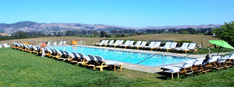 carneros pool