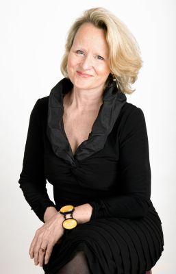 Ann DOWSETT Johnston'71