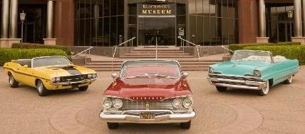 50s Car in front of Museum