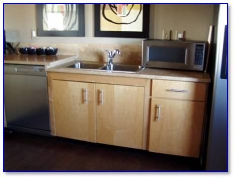 How Many Sinks Are Required In A Commercial Kitchen : ... this space is not a kitchen