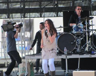 Julie Elias Performs at Spirit West Coast