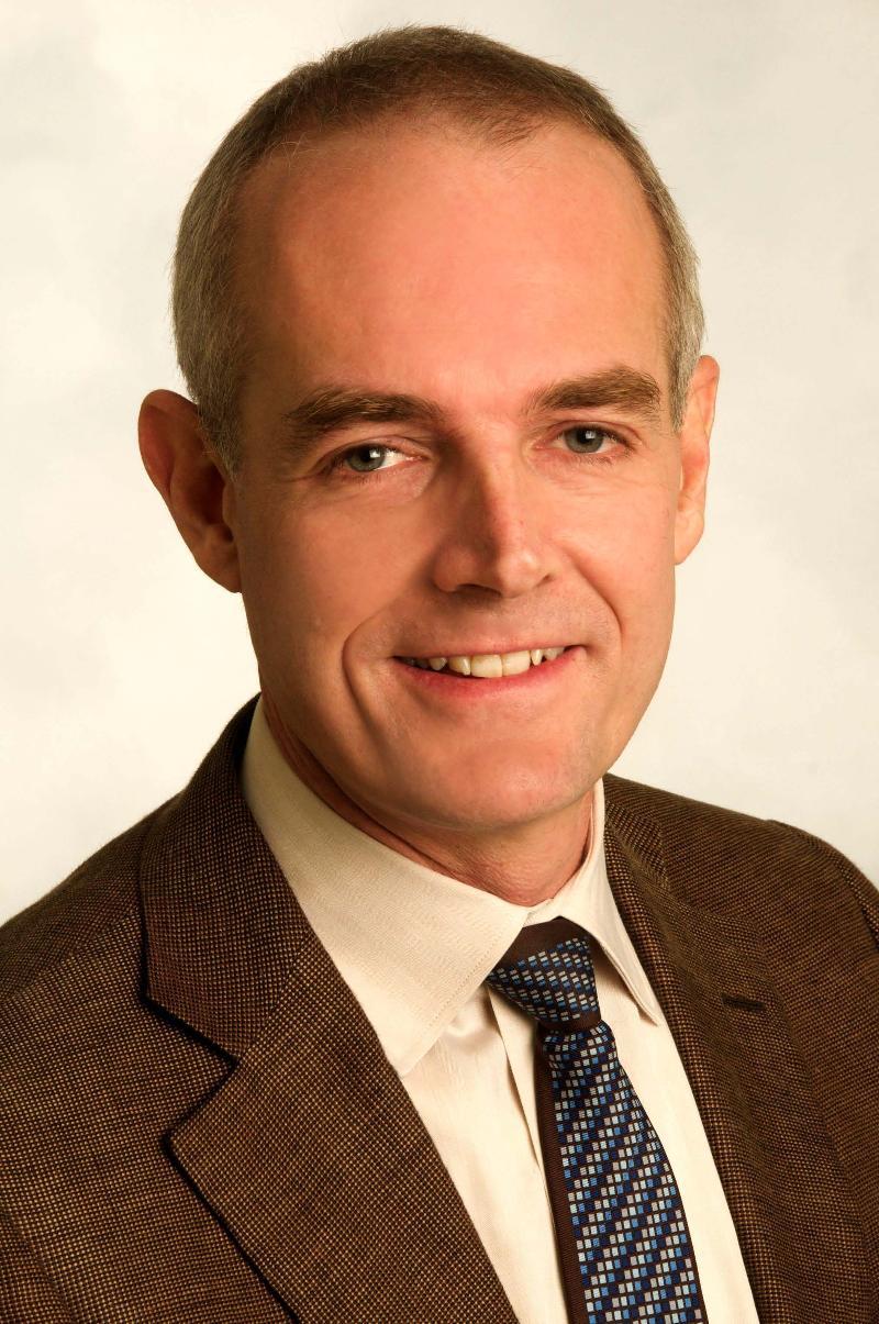 Charles Hoge Headshot