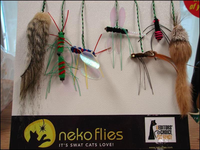 Neko Flies2