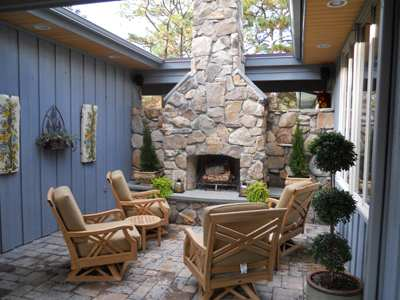 Stone Garden's Monthly Featured Project: Cowans Fireplace by Graystone Inc.