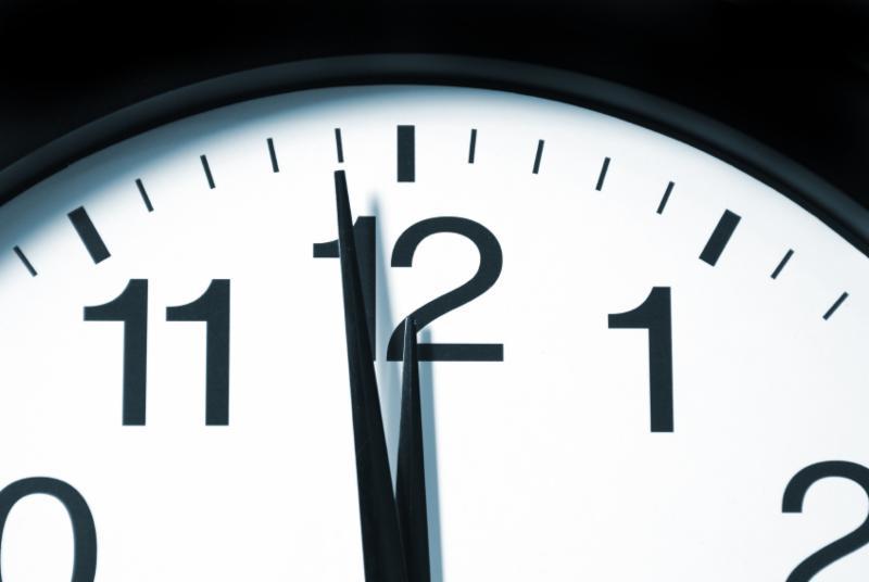 Noon clock