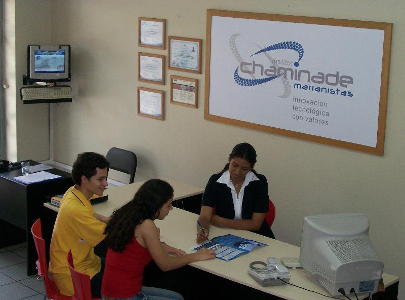 Chaminade Institute Peru French