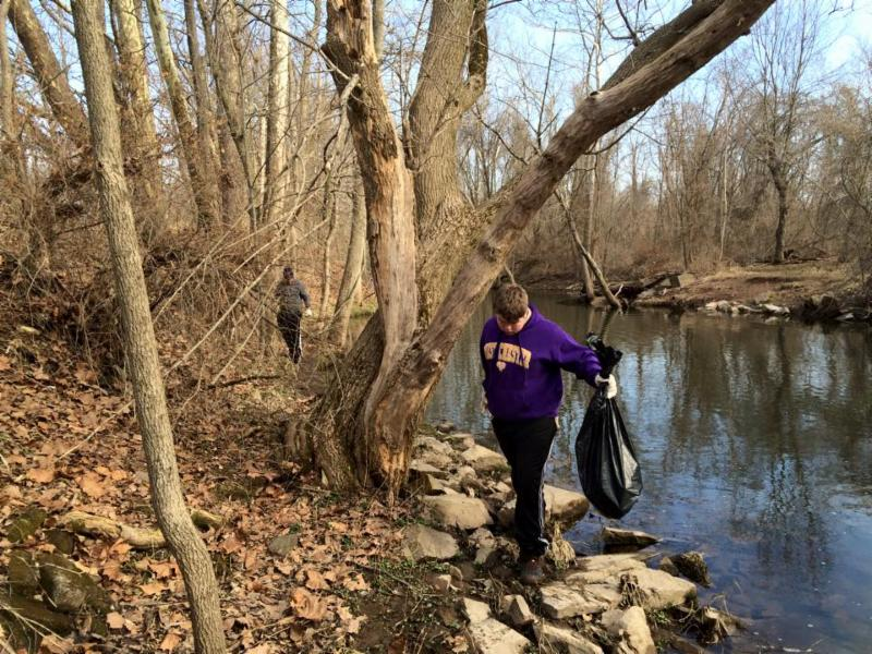 Troop 267 cleaning up stoney creek