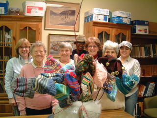 Howland Public Library Knit Together Group 081202