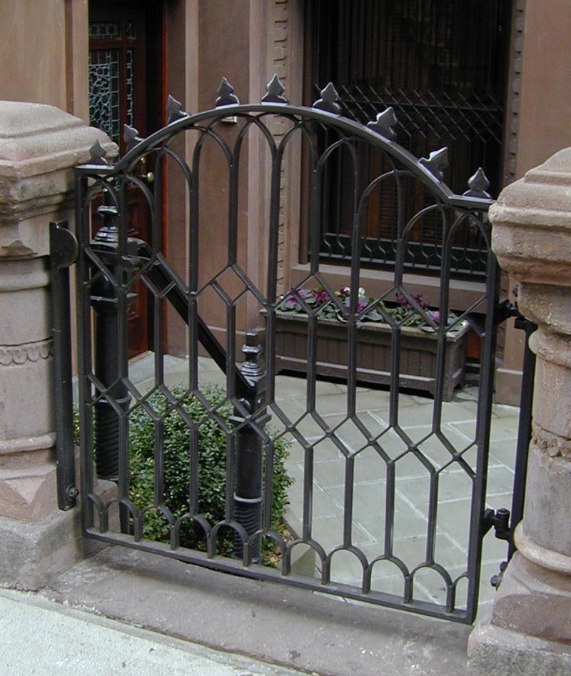 brownstone gate