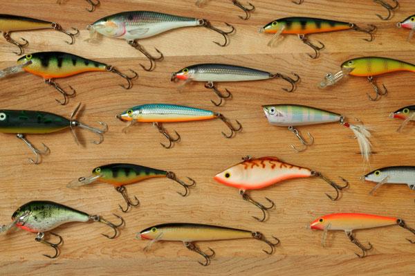 Big cash at the big bass bash at the lake for Fall bass fishing lures