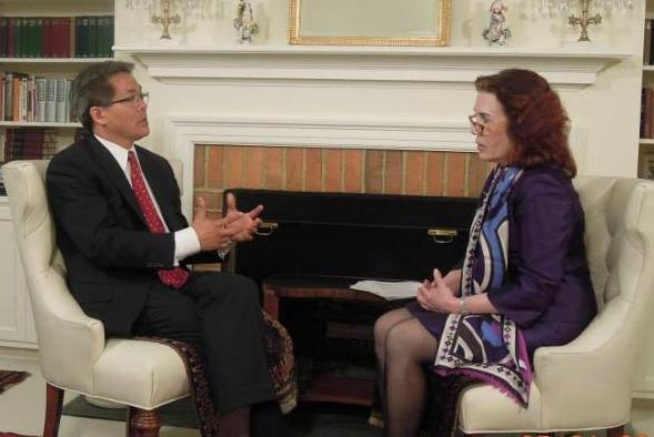 Jan Paynter interviewing Toan Nguyen