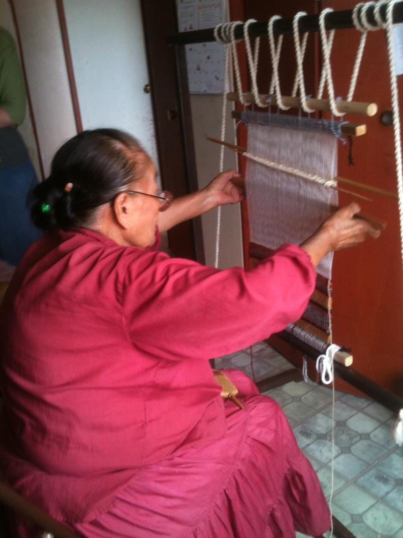 Navajo Grandma Bessie weaving