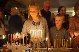 Lighting Candles on Shabbat