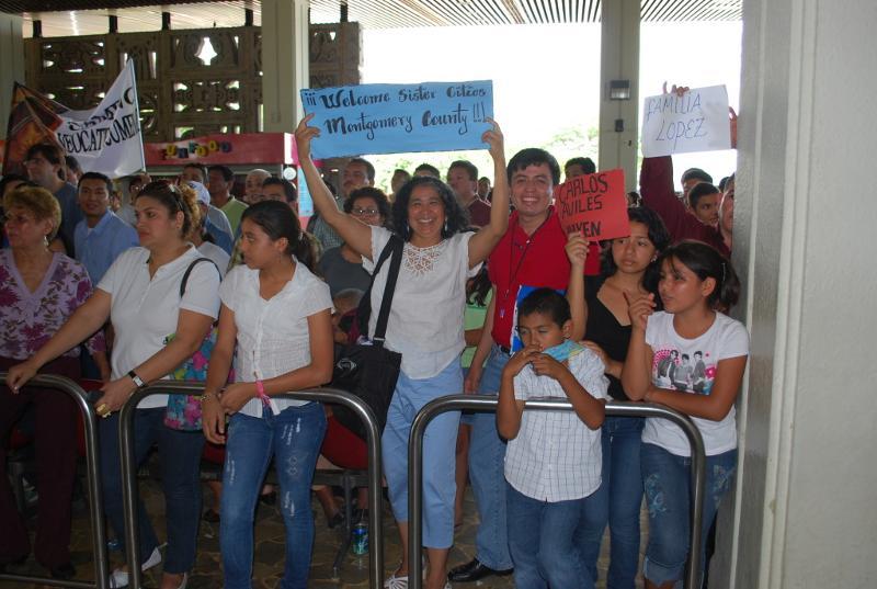 Evelyn Gonzalez in San Salvador Airport