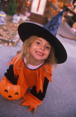 witch-costume-girl.jpg