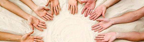 hands_sand2_hdr.jpg