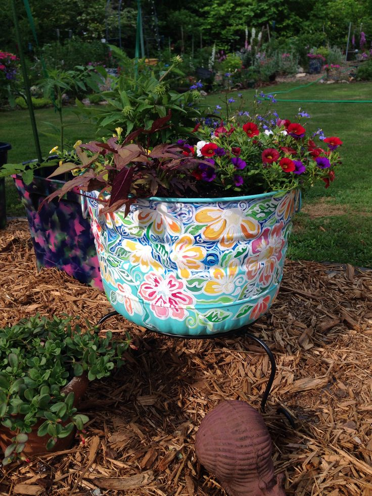 Come join us on June 20th at Lockerly and create your own painted container