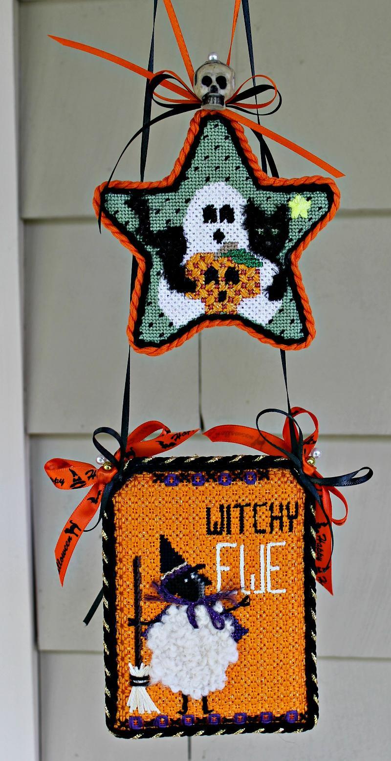 2 Hanging Halloween Decorations
