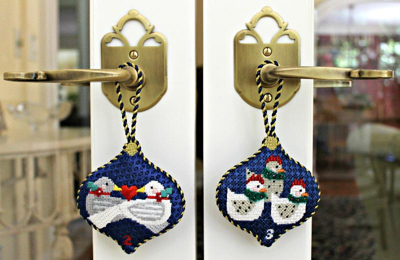 12 Days of Xmas (2 Ornaments Hanging on Door)
