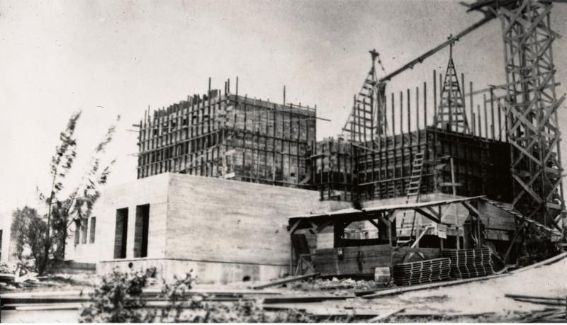 Early stages of temple construction circa 1917 (Courtesy of BYU-Hawaii Archives)
